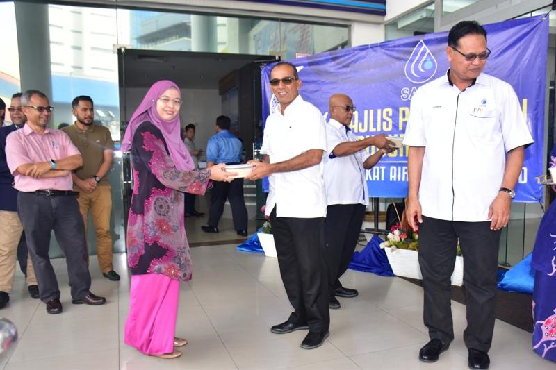 Majlis Penyerahan Bubur Lambuk Anjuran Syarikat Air Melaka.