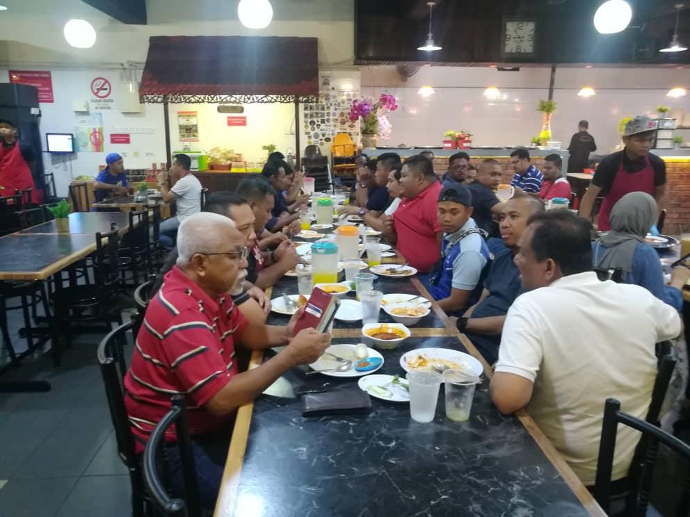 Majlis Makan Malam Bersama Pekerja Tanker